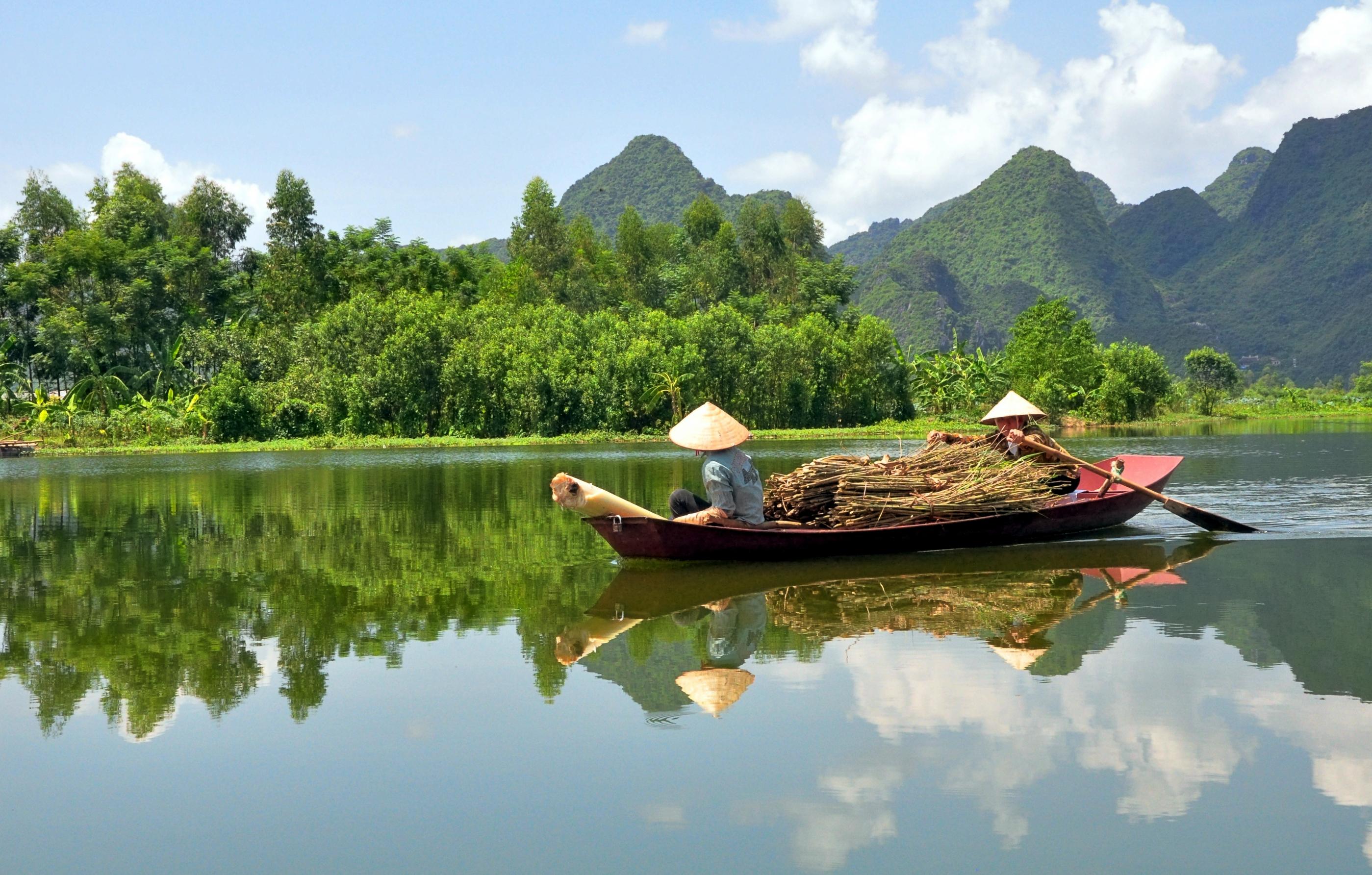 VIETNAM SMILING