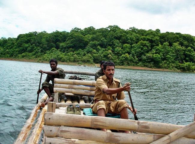 6Nts Munnar Thekkady Alleppey Houseboat Cochin